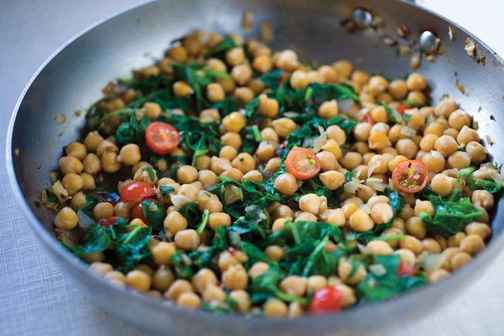 Braised Chickpeas with Spinach &  Garlic