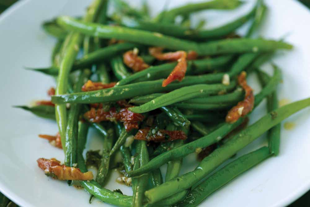 Roasted String Beans with Sun-Dried Tomatoes, Garlic &  Thyme