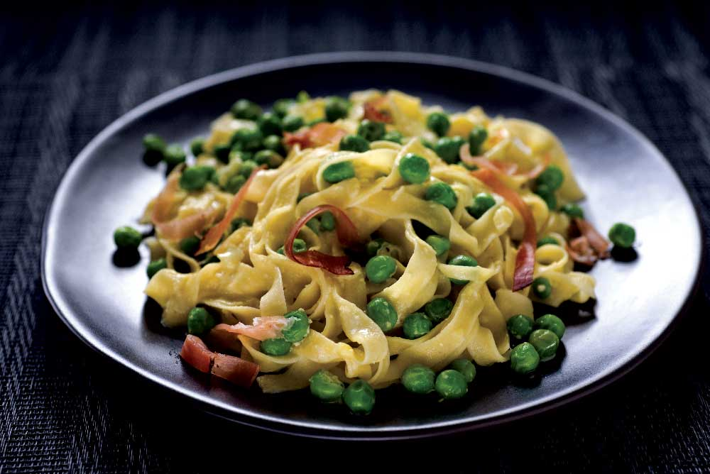 Tagliatelle with Peas, Prosciutto, & Cream (groups of 20 or less)