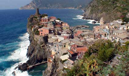 Vernazza, the second town of the Cinque Terre (from the north)
